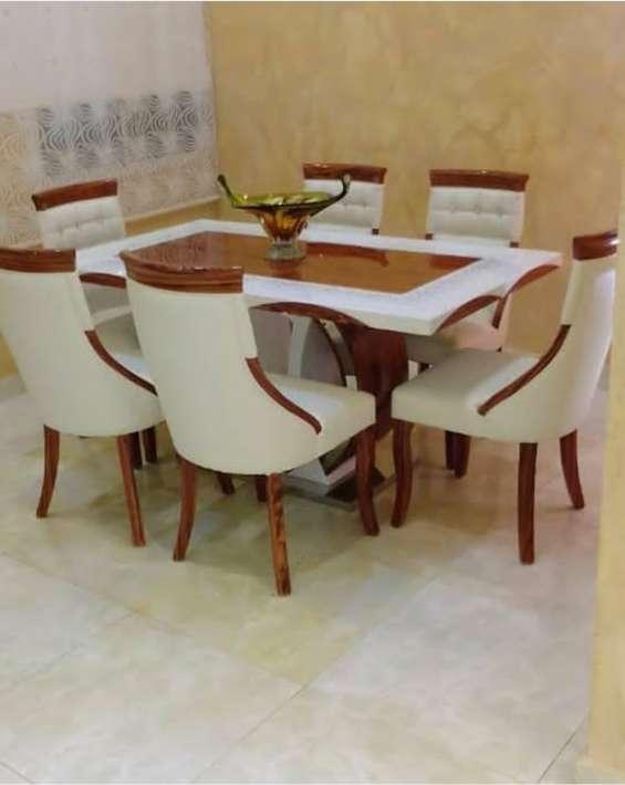 Mesa de comedor nueva con 6 sillas